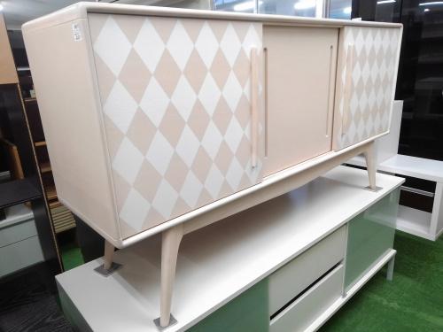 特選家具のサイドボード
