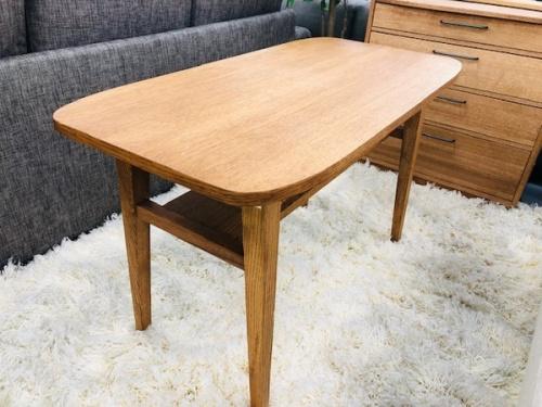 家具のテーブル・ローテーブル