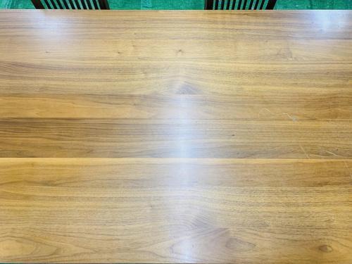テーブルのカリガリス