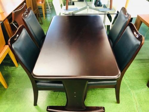 テーブルの筑波産商