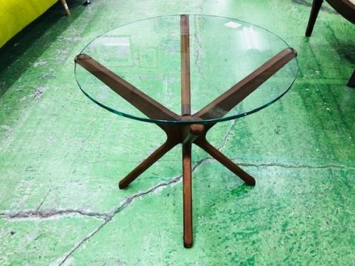 テーブルのACME Furniture・アクメフィニチャー