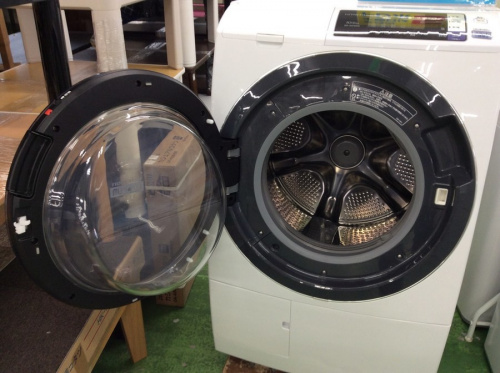 ドラム式洗濯乾燥機のHITACHI 日立