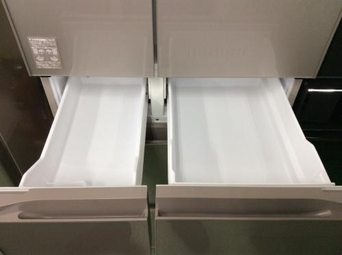 6ドア冷蔵庫のHITACHI(ヒタチ)