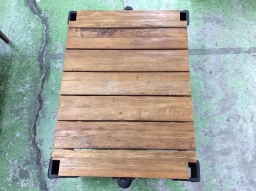 ギルドドーリーテーブルのACME Furniture(アクメファニチャー)