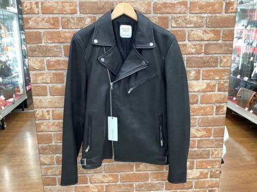ライダースジャケットのジャケット