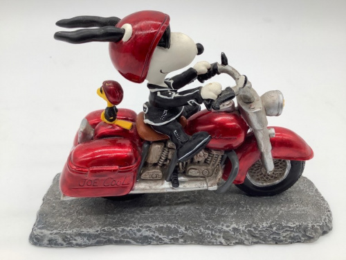 置物のスヌーピー バイク