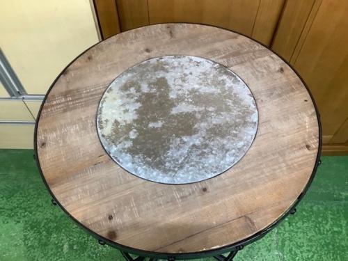 テーブルの丸型バーテーブル