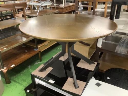 生活家具のテーブル マーリン