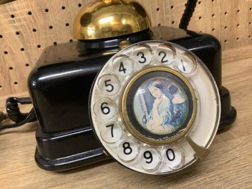 レトロ雑貨のアンティーク電話機