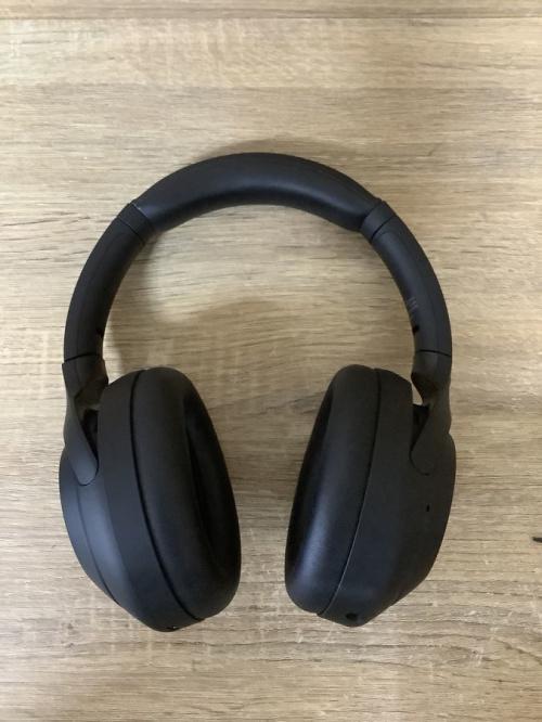 オーディオ機器のヘッドホン