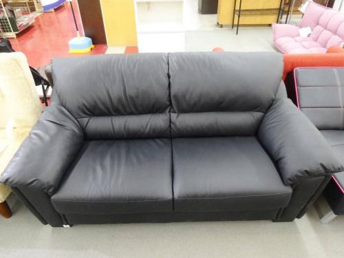 2人掛けソファーの合皮