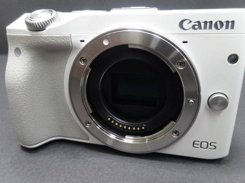 EOS M3のミラーレス一眼カメラ