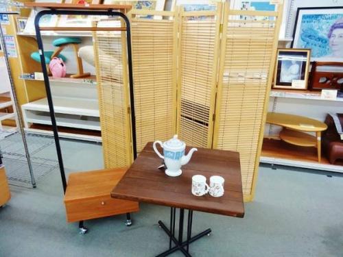 家具・インテリアのカフェテーブル