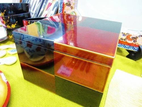 山田平安堂の重箱