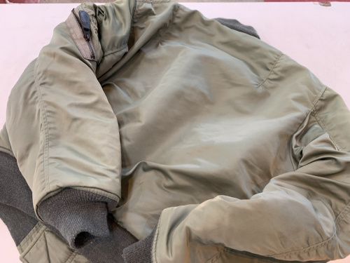 ジャケットのMA-1フライトジャケット
