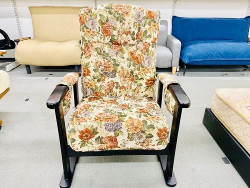 ソファーのお尻にやさしいコイルスプリング高座椅子