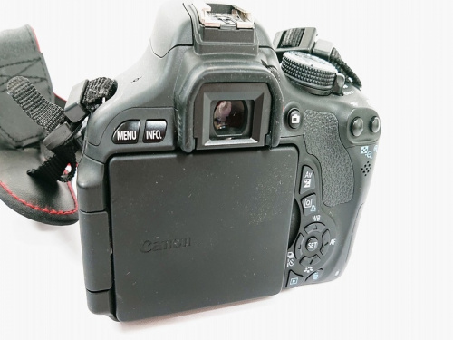 デジタルカメラのデジタル一眼レフカメラレンズキット
