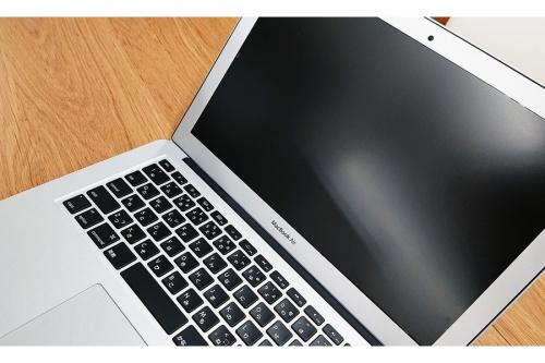 ノートパソコンのMacBook Air 2015モデル