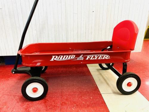 ワゴンのRadio Flyer ラジオフライヤー