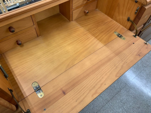 ドレッサー付4段チェストのFrance Bed