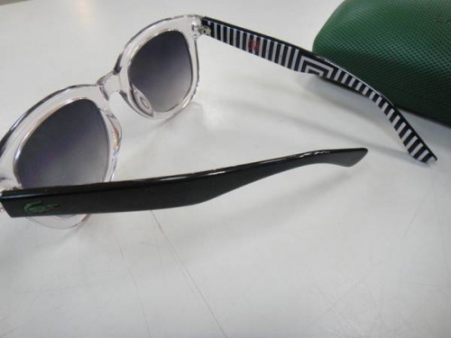 LACOSTEのサングラス