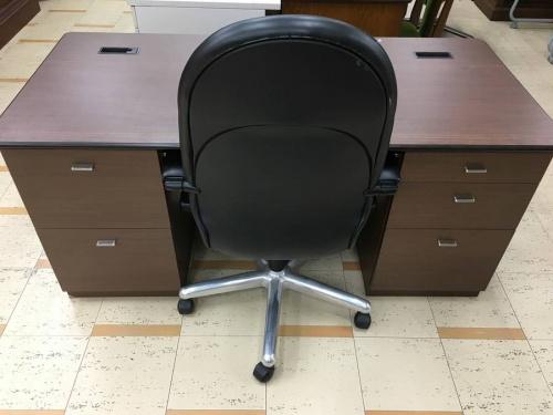 内田洋行デスクのオフィスチェア