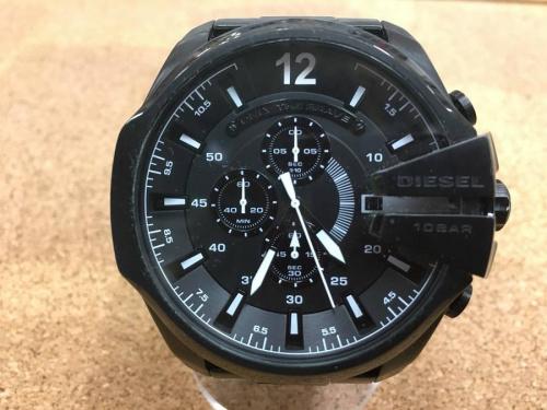 アクセサリーの腕時計