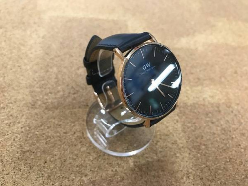 ユニセックスの腕時計