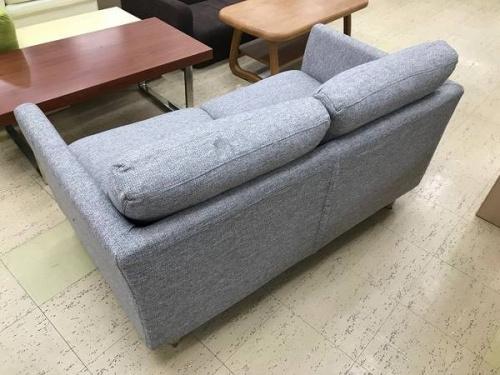ニトリの二人掛けソファー