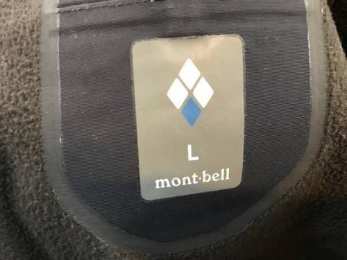 パウダーシェッドパーカーのmont-bell