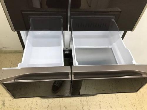 HITACHIの6ドア冷蔵庫