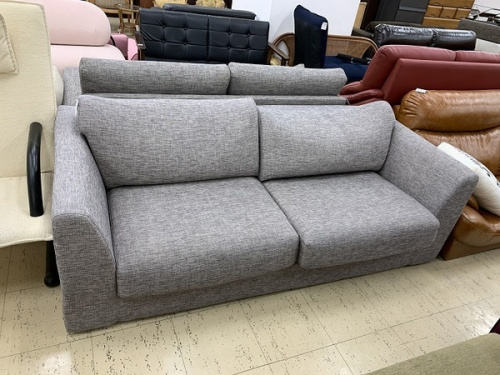 ダイニングセットのソファー