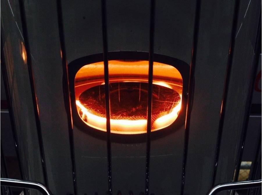 【TFスポーツ青葉台店】冬キャンプ必須アイテム!コロナの石油ストーブが入荷!!
