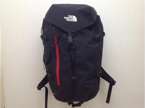 バッグの登山用品
