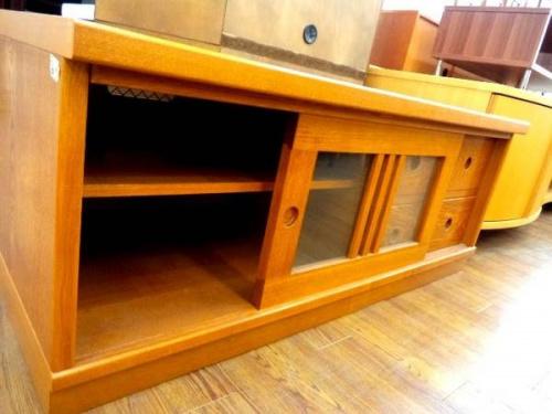 大塚家具のテレビ台