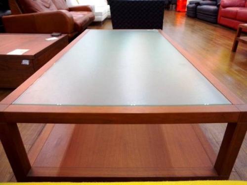 arflexのテーブル