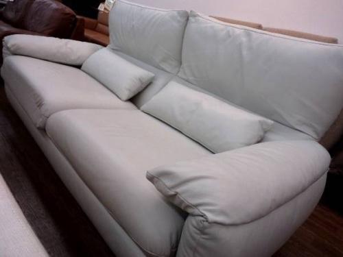 家具・インテリアのレザーソファー
