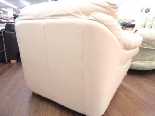 一人掛けソファーのレザーワールド