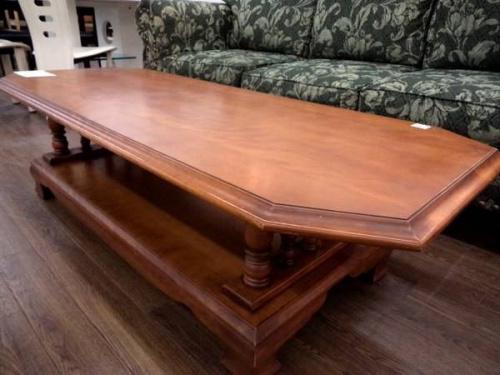 家具・インテリアのリビングテーブル