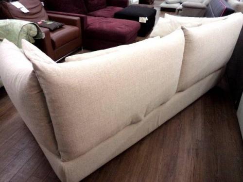 クラスティーナのソファー
