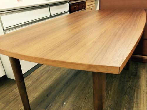 ウニコ(UNICO)のダイニングテーブル