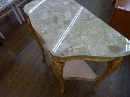 コンソールテーブルの大理石