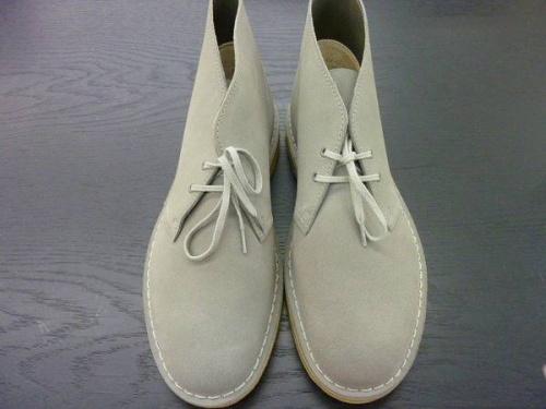 ブーツのCLARKS