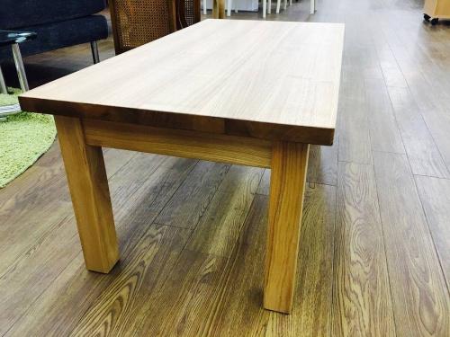 ローテーブルのタモ材