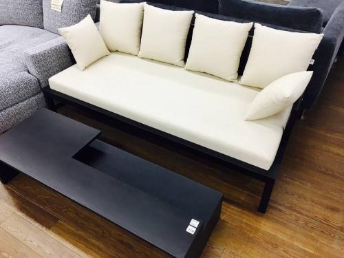 ソファーのテーブル