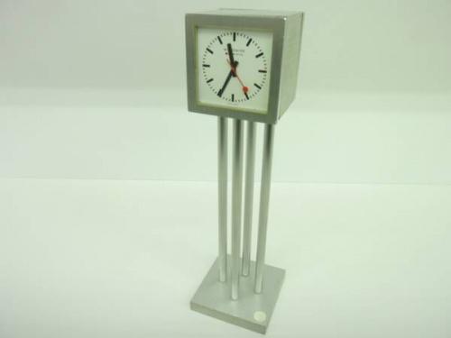 置き時計のMONDAINE
