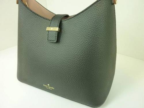 稲城若葉台ブランドのバッグ