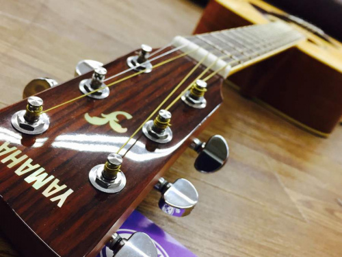 bossのアコースティックギター