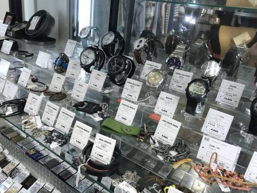 WEIRDOの稲城若葉台店メンズセレクト