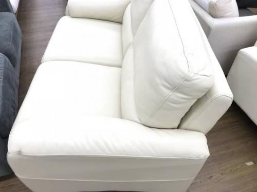2人掛けソファのIDC大塚家具